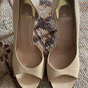 Beautiful classic tan heel by Fendi